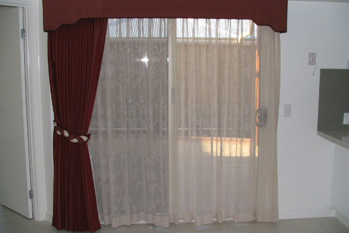 Find Out How To Choose Curtains For Wide Windows