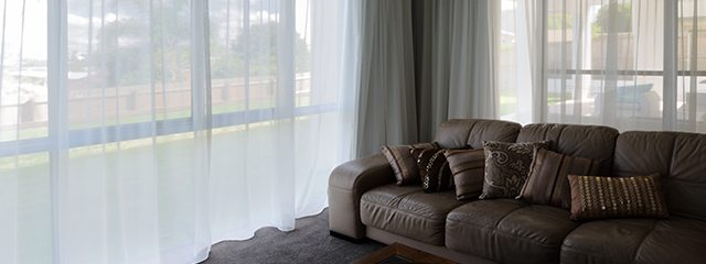 5 advantage of using curtains than blinds