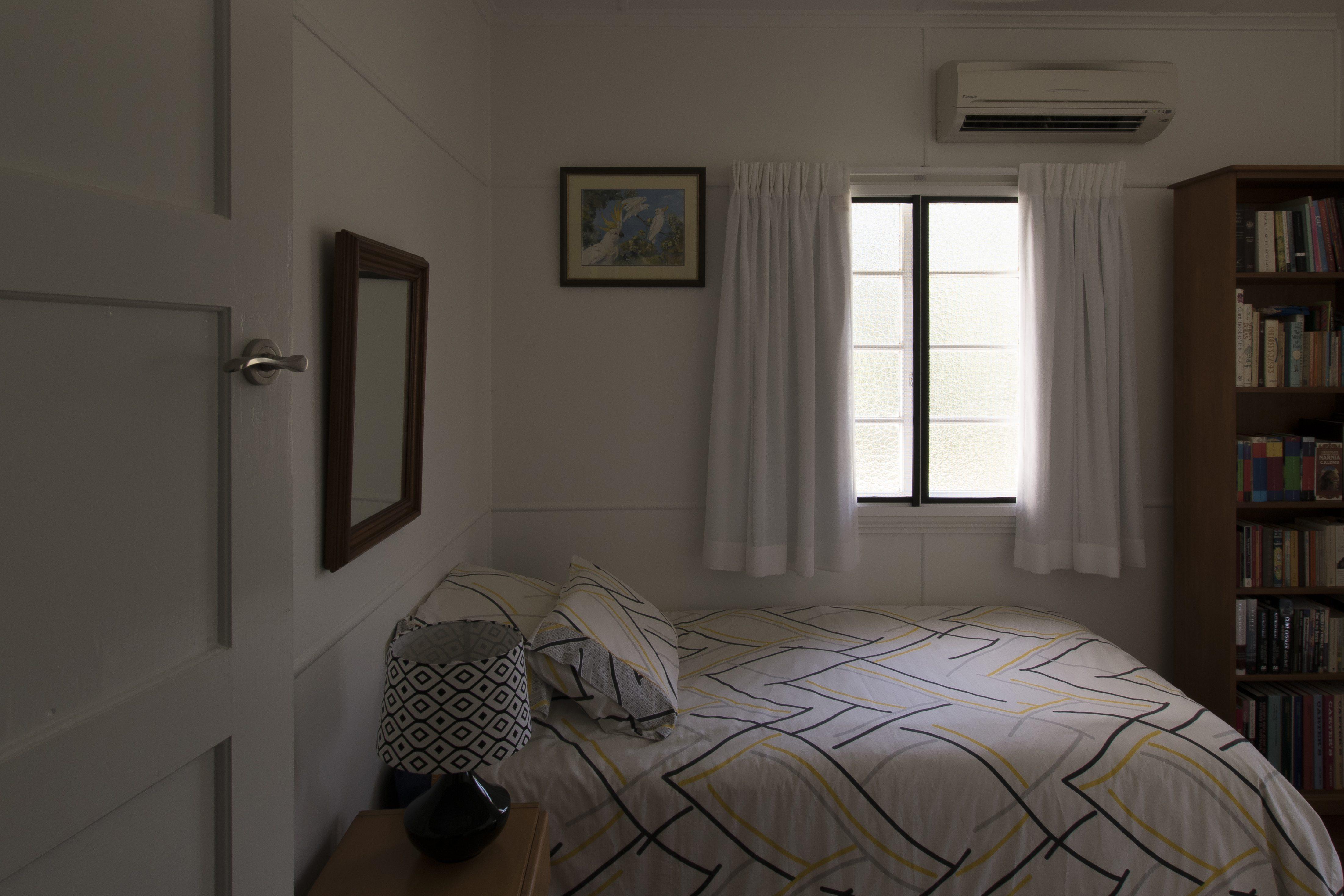 Double pinch pleat, centre open, short drop curtains