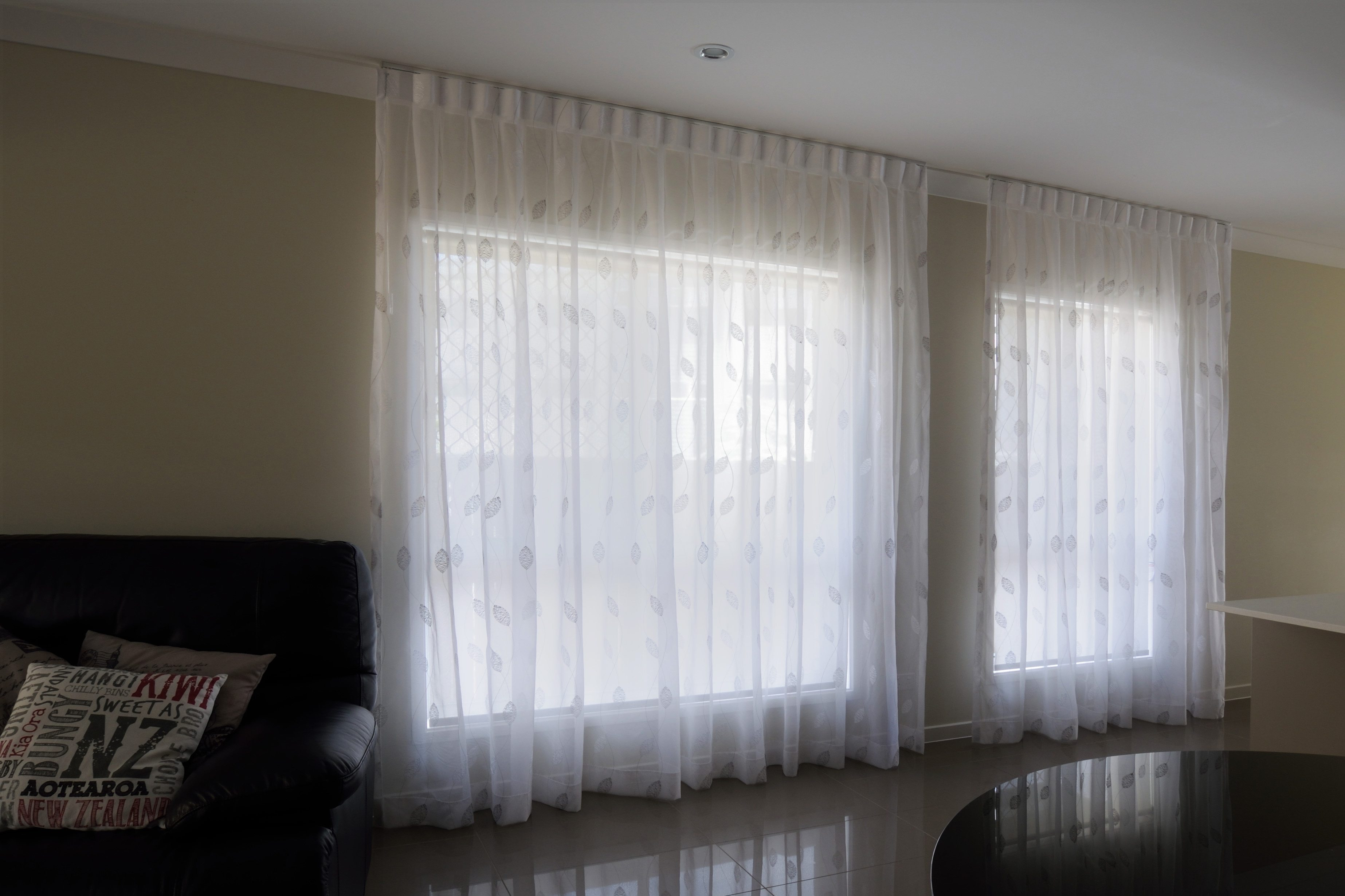 sheer from ceiling with suncontrol blinds