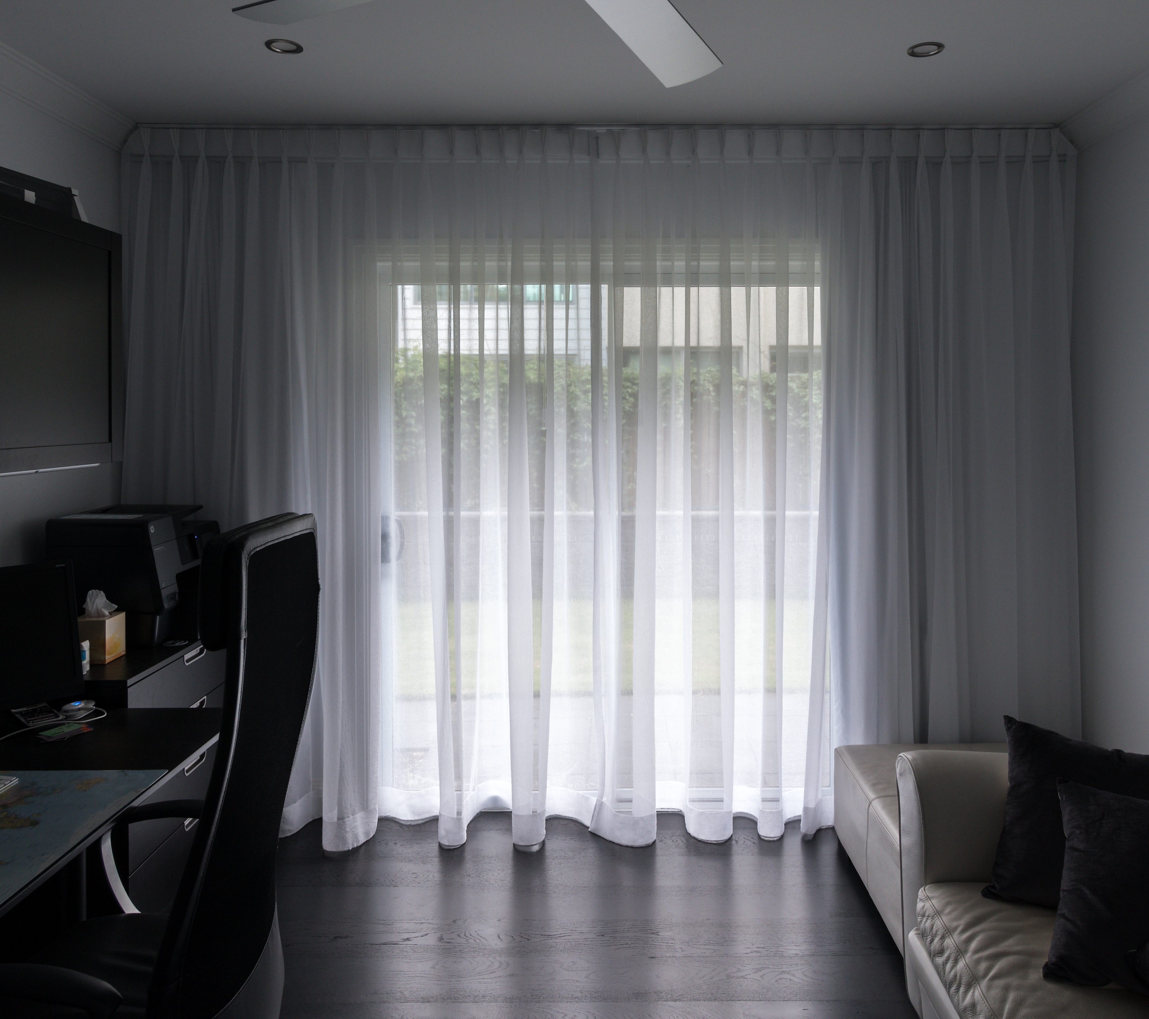 Wall to wall TPP sheer, shaped ends, from ceiling, no flooding, block out lining behind-sheers
